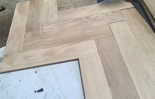 Solid oak flooring unfinished Herringbone