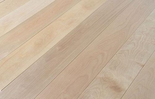 枫桦复合地板